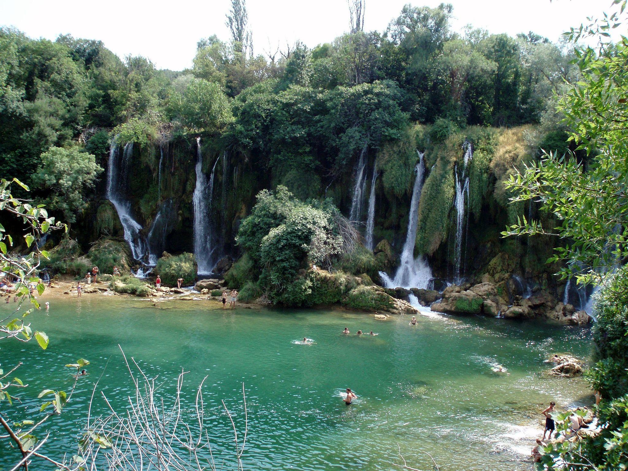Kravica_waterfall_(204058333)